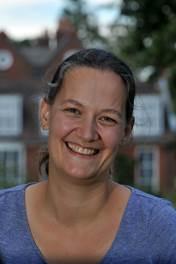 Dr Nathalie Vriend